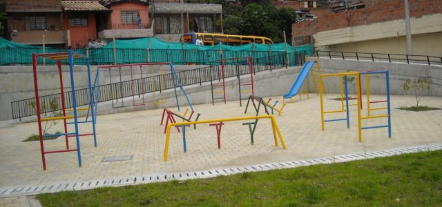Experiencing opportunity and discrimination in participatory urban planning projects in Bogotá and Medellín, Colombia