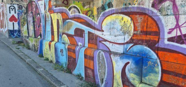 Volunteering in the super-diverse city: How young urban volunteers negotiate belonging